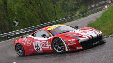 Ferrari 458 GT3 klinkt geweldig op bergpassen