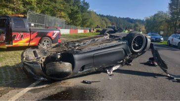 Mercedes-AMG GT R gaat 7x over de kop in Schwedenkreuz