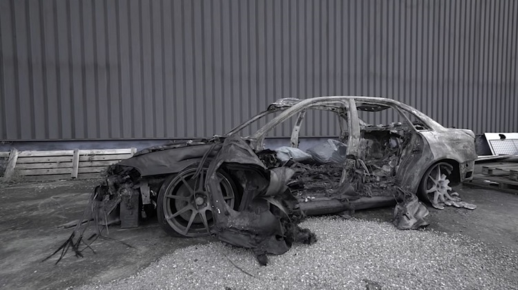Audi S4 van Philipp Kaess is volledig afgebrand
