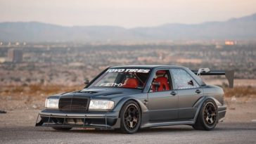 Twin Turbo V8 Mercedes 190E