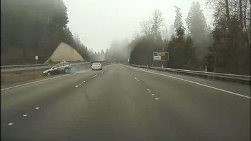 Lexus-bestuurder-geeft-Subaru-een-remtest