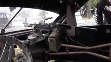 Porsche Boxster heeft een werkend machinegeweer