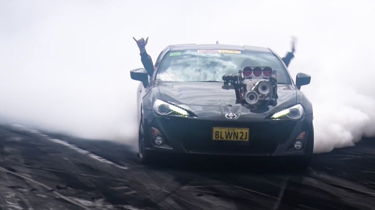 Toyota-GT86-met-Supercharged-2JZ