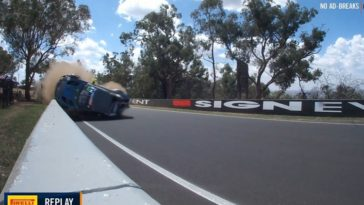 Aston Martin Vantage GT3 rolt op Bathurst