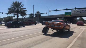 Chevrolet Camaro verliest een wiel