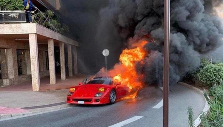 Ferrari F40 in Brand in Monaco