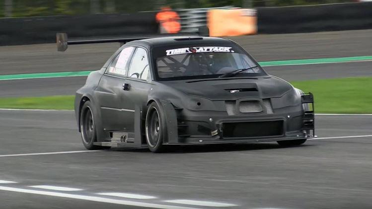 Deze Subaru Impreza STi Time Attack heeft een full carbon body