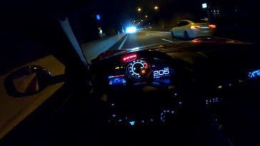 Ferrari 812 Superfast met Novitec-uitlaat blaast door tunnels