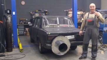 Garage 54 maakt enorme uitlaat voor Lada