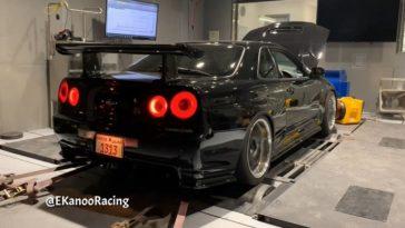 1.364 pk Nissan Skyline R34 GT-R op de rollenbank