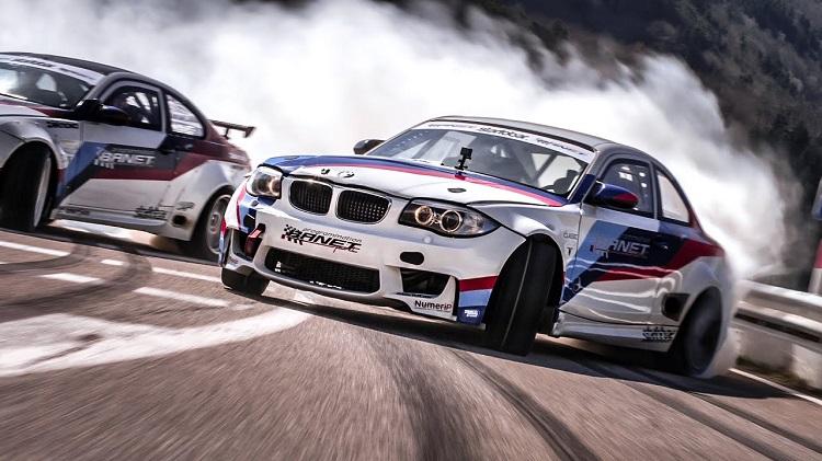 740 pk BMW M3 en 900 pk BMW 1M doen een Touge Drift