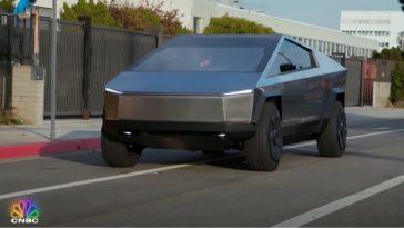 Jay Leno test de Tesla Cybertruck