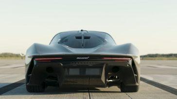 McLaren Speedtail haalt 403 kmh op landingsbaan