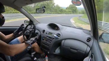Nederlander crasht met Toyota Yaris T-Sport tijdens Touristenfahrten