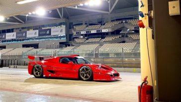 Onboard bij de Ferrari F50 GT1 op het Yas Marina circuit