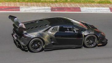 carbon fiber Lamborghini Huracan