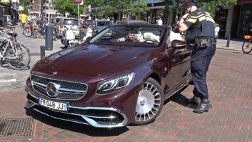 Memphis Depay door de politie gestopt in zijn Mercedes-Maybach S650