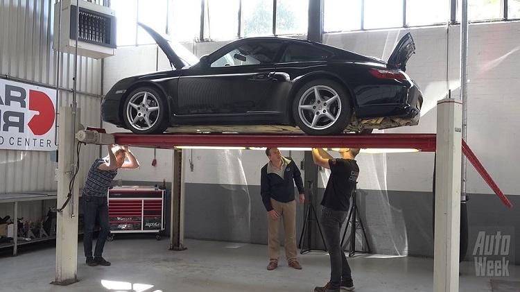 Porsche 911 Carrera met 296.451 km