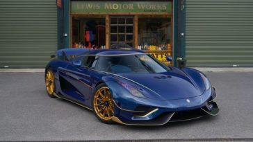 Koenigsegg Regera uitgevoerd in blauw carbon met gouden details