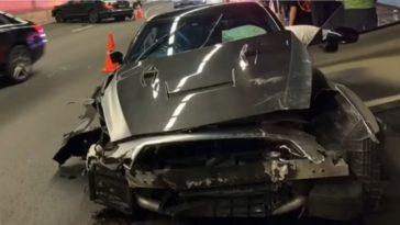 Nissan GT-R knalt achterop Mercedes-Benz CLS in tunnel