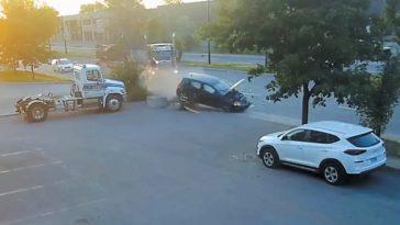 Straatracers zien vrachtwagen over het hoofd