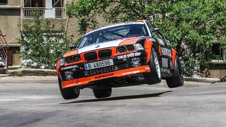 BMW E36 met S54-motor vliegt over Hillclimb