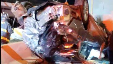 Laagvlieger veroorzaakt enorme crash