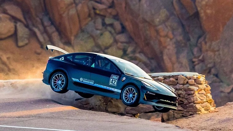 Tesla Crash Pikes Peak Hillclimb