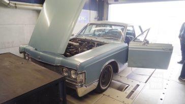 Op de Rollenbank - Lincoln Continental