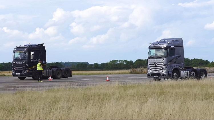 Mercedes Actros vs Scania R500 Dragrace & Remtest