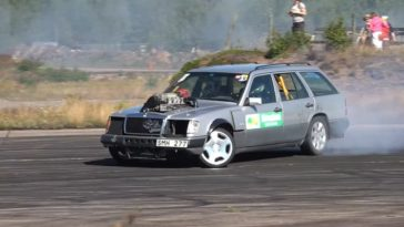 Mercedes W124 met Supercharged V12