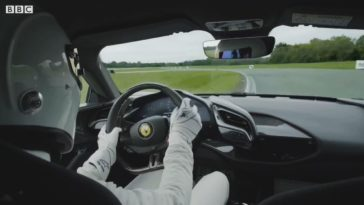 Onboard bij The Stig in de Ferrari SF90