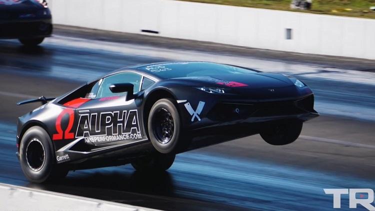 1.800 pk Lamborghini Huracán trek bizarre wheelie