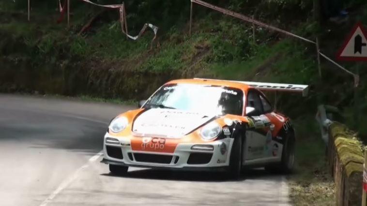 Porsche 911 GT3 gaat overal dwars op hillclimb
