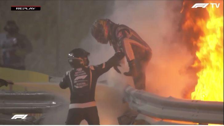 Verschrikkelijke crash Romain Grosjean in GP Bahrein