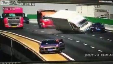 crash op chinese brug