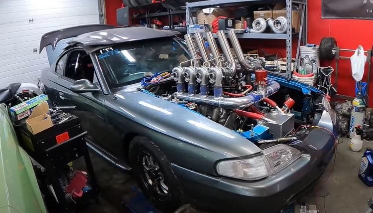 Ford Mustang met 8 turbo's