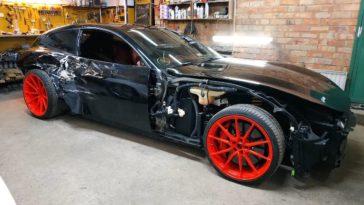 Handige Rus fixed gecrashte Ferrari GTC4 Lusso