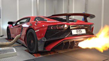 Lamborghini Aventador SV met Capristo-uitlaat op de rollenbank