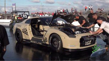 Nissan GT-R blaast inlaatspruitstuk op