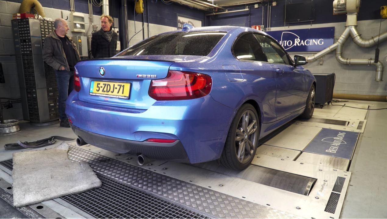 Op de Rollenbank - BMW M235i