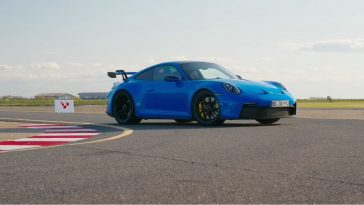 Chris Harris test de nieuwe Porsche 992 GT3