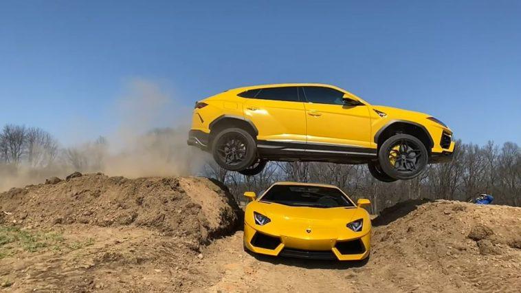 Lamborghini Urus springt over Lamborghini Aventador