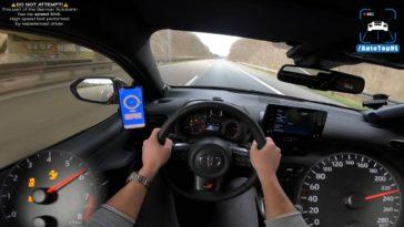 Toyota GR Yaris naar Topsnelheid op de Autobahn