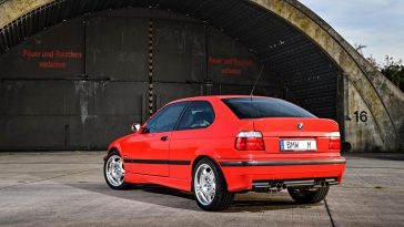 BMW-M3-Compact-3