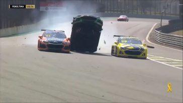 De Motorsport Crashes van week 19