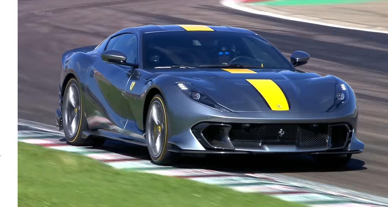 Ferrari 812 Competizione gaat voluit over Fiorano!
