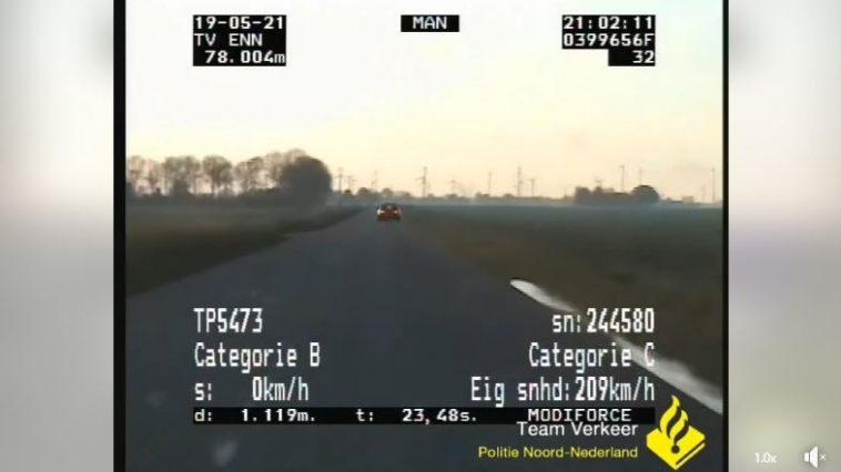 Subaru Impreza doet 200 kmh met politie achter zich