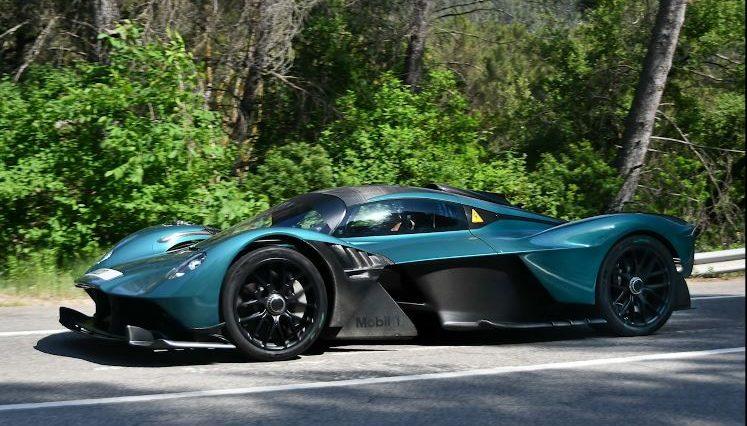 Aston Martin Valkyrie gespot op de openbare weg