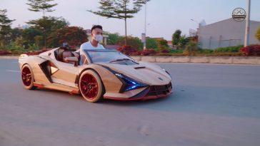 Vader bouwt houten Lamborghini Sian voor zoon